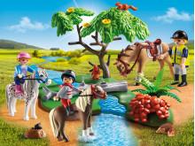 Fröhlicher Ausritt mit den PLAYMOBIL-Ponys
