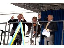 Invigningsceremoni Pfizer Strängnäs. Simon Orchard, Maud Olofsson, Nat Ricciardi