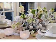 Vita hyacinter som bordsdekoration