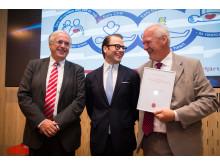 Prins Daniel delar ut Stora forskningsanslaget 2013