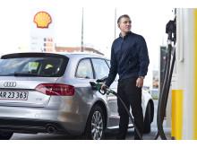 Bilist tanker hos Shell