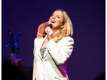 Gunilla Backman uppträder med sin hyllningskonsert till Barbra Streisand: Bara Barbra!