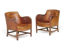 """Kaare Klint, Edvard Kindt-Larsen: """"Mix"""". Et par lænestole med stel af cubamahogni, betrukket med patineret nigerskind. Hammerslag:  250.000 kr."""
