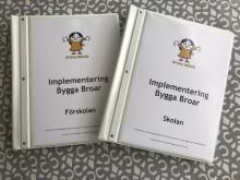 Impementeringsmaterial för projektet Bygga Broar som syftar till att stärka barns rättigheter och främja integrationen bland annat.