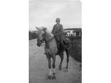 Linde von Rosen på sin häst Castor