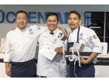 Deutschlands beste Drei: The Duc Ngo (3. Platz), Mongkol Patprom (1. Platz), Bijaya Gurung (2. Platz)