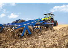 CLAAS tractor and 365FarmNet