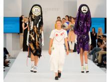 Vinnaren av Designers' Nest Award 2015 Sara Lundberg med sin examenskollektion OMG(S)