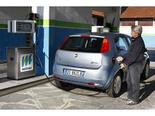 Fiat Grande Punto Natural Power ny biogasbil (tankning)