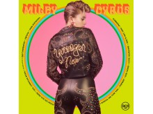 "Miley Cyrus - ""Younger Now"" albumomslag"
