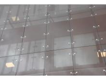 Fasaden av glas på Umestan 12.