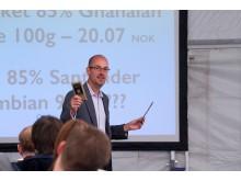 Matthew Parker under sitt foredrag om Profitable Print
