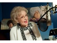 Betty White ger röst åt Grammy Norma i Lorax.