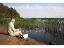 Pensjonist ved vannet