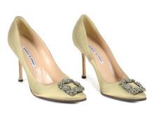 Fashionabla 20 september, Nr: 110, SKOR, MANOLO BLAHNIK, beige satin siden, strass spänne