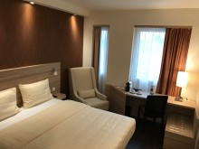 Quality Hotel Star Inn Premium Hannover, Germany. GE229. Guest Room.