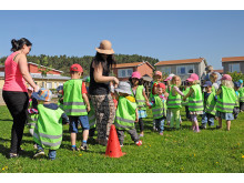 Baklängesmarschen på Barnsäkerhetens dag 2014