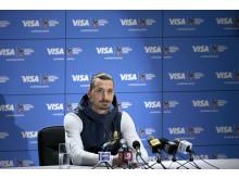 Der Profifußballer Zlatan Ibrahimović verkündet seine Rückkehr zur FIFA Fussball-Weltmeisterschaft 2018 Russland™ mit Visa.