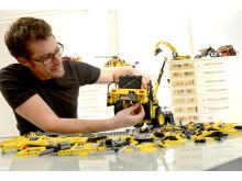 LEGO Technic - Volvo L350F hjullastaere och designchefen Jeppe Juul Jensen