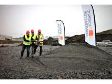 Daniel Göök, Borås Stad, Mattias Albrektsson, Continental Däck Sverige och Anders Bothén från LC tar första spadtaget för Continentals nya logistikanläggning i Viared.