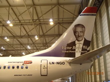 Norwegians LN-NGO med Victor Borge