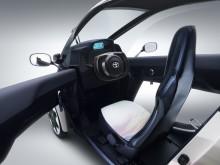 Toyota i-ROAD interiör_1