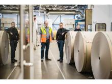 Anders Tålsgård, projektledare Pemco Energi och Robert Stade, fabrikschef Peterson Packaging AB i Norrköping. Fotograf: Crelle