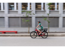 E-Bike-Fahrerin 2