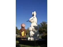 Kaninen Lisa och apan Göran i Osby