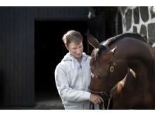 Douglas Lindelöw och hästen Jezebel