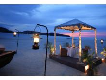 Meritus Pelangi Beach Resort & Spa, Langkawi - Dining by the beach