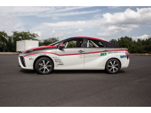 Den japanske journalisten och rallyföraren Mitsuhiro Kunisawa ställer upp med sin privata Toyota Mirai i Tyska Rallyt