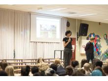Administrerende direktør i Microsoft Norge, Kimberly Lein-Mathisen Kodetimen på Tveita Skole