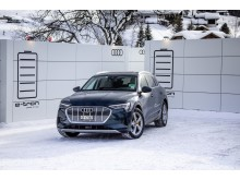 Audi elektrificerer World Economic Forum i Davos med Audi e-tron flåde og mobile grønne opladningscontainere