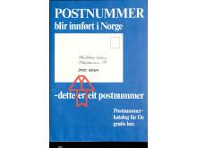 """""""Dette er eit postnummer"""" med pil opp på de fire sifrene var den tydelige beskjeden på denne plakaten, som var å finne på tusenvis av postkontorer rundt over hele landet i 1968."""