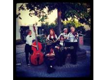 Swingkväll med Lindy Hop på Frilagret under Kulturnatta. spelar gör Swing Tarturo och Cats & Dinosaurs