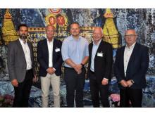 Fornøyde representanter fra Canon  og Kongsberg Gruppen