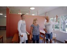 Clas Thott, nordisk marknadschef, Marie Österlund, verksamhetsledare och Mikael J:son Lindhe, kommunikationschef studerar den färdigmålade matsalen.