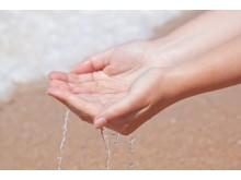 Händer i vatten -Sergo Sergiossya - Mostphotos
