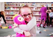 Dream Toys 2018 - Event Shots - Fingerlings Hugs 2