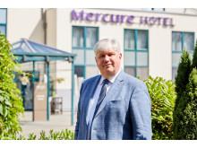 "Walter Sosul, Direktor Mercure Tagungs- & Landhotel Krefeld begründete die Kooperation ""Exzellente Lernorte"" mit"
