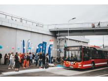 SL-buss nummer 76 vid nya busshållplatsen vid Värtaterminalen