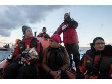 Läkare Utan Gränser och Greenpeace inledde räddningsinsatsen på Eegiska havet i lördags.