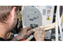 Montering av varmepumpe med R32
