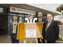 Plaque unvelied - Tom Moran with (left) Town Mayor simon Rubner and Hertsmere Mayor Cllr Alan Plancey