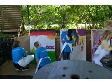Barnen målar och uttrycker sina känskor