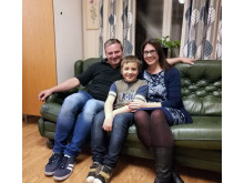 Nicolina Lottsfeldt som deltar i Det Goda Livet. Här med delar av sin familj, Robert Kolcz Lottsfeldt och  Felix Lottsfeldt .