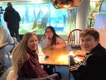 Lilly, Mona og Erlend foto Trude Bessesen Sjømatrådet
