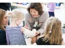 Drottning Silvia på förskolan Pumpan