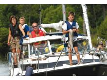 Pressbild - Göta kanal, familj med fritidsbåt